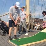 putting challenge sur le bateau