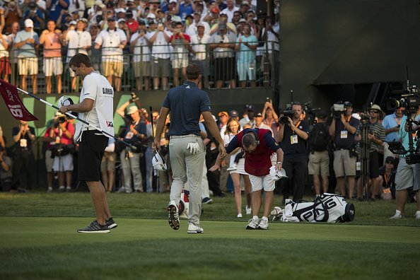 Caddie westwood s'incline devant la victoire de Dustin Johnson