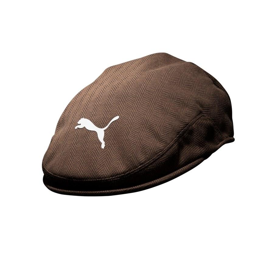 La casquette classique qu'il porte normalement lors des parcours d'entraîenement