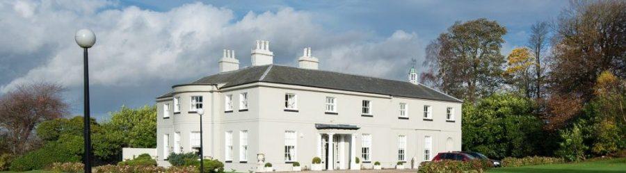 Une écossaise met sa maison en vente avec un golf pour seulement le prix d un billet de loterie