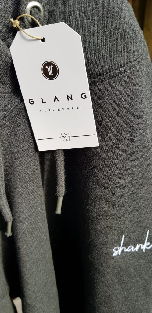 sweat capuche glang de près